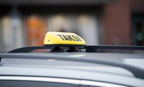 Liikenne- ja viestintäministeriön yksikön johtaja, hallitusneuvos Laura Eiro vakuuttaa Iltalehdelle, että Ruotsissa esiintynyttä ryöstöhinnoittelua ei pääse syntymään Suomeen.