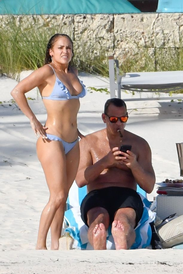Kihlapari on lomaillut Bahamalla.