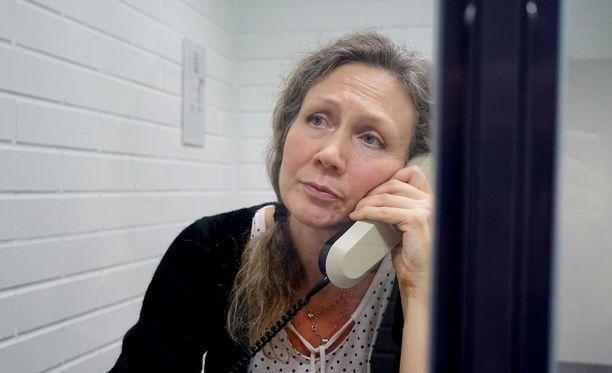 Anneli Auerin (kuvassa) tietojen luvattomasta katselemisesta nostettiin keväällä syytteet yhteensä 55:ä virkamiestä vastaan.