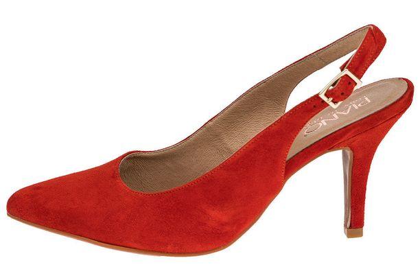 Hyvälestinen ja oikean kokoinen kenkä ei lonksu. Piano Ontario 79,90 e.