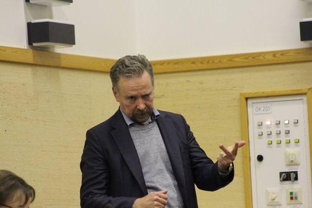 Maahanmuuttoviraston hallintojohtaja Jouko Salonen ei ottanut kantaa esiinnousseeseen kaava-asiaan.