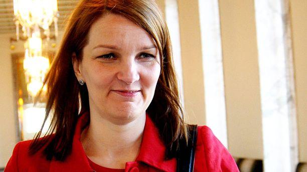 Mari Kiviniemi johtaa neuvotteluja.