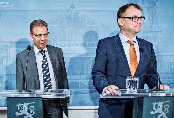 Pääministeri Juha Sipilä (kesk) ja puheenjohtaja Lauri Lyly (SAK) ovat kansakunnan onneksi tolkun miehiä.