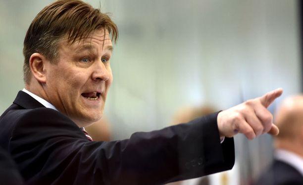Raimo Summanen siirtyy Mestiksessä pelaavan Espoo Unitedin valmentajaksi.