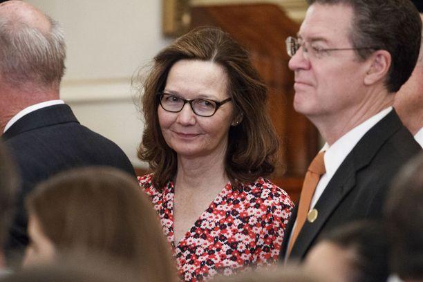 Gina Haspel osallistui viime keskiviikkona edeltäjänsä, ex-CIA-johtaja Mike Pompeon virkaanastujaisseremoniaan, jossa hän otti ulkoministerin tehtävän vastaan.