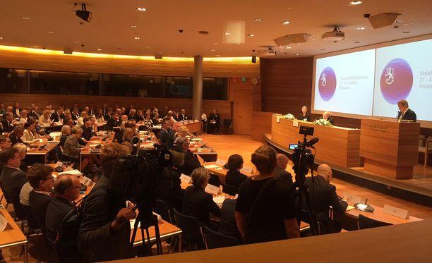 Tasavallan presidentti Sauli Niinistö aloitti puheensa suurlähettiläspäivillä eduskunnan Pikkuparlamentissa.