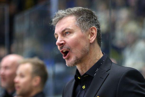 Tero Lehterän ja SaiPan pelaajien välit ovat pahasti tulehtuneet.