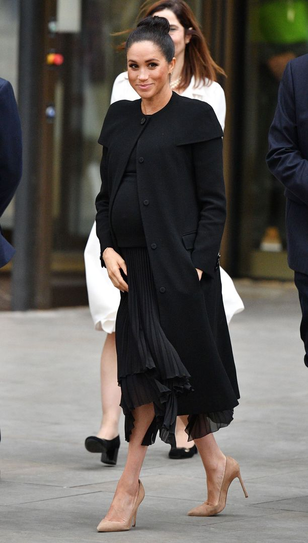 Meghan edusti kierrätystakissa, joka nähtiin hänen yllään jo vuonna 2017.