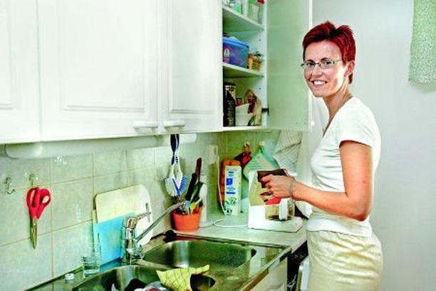 Hyvä ruoka ja lasillinen punaviiniä on hyvä rentoutumiskeino raskaan työpäivän jälkeen.