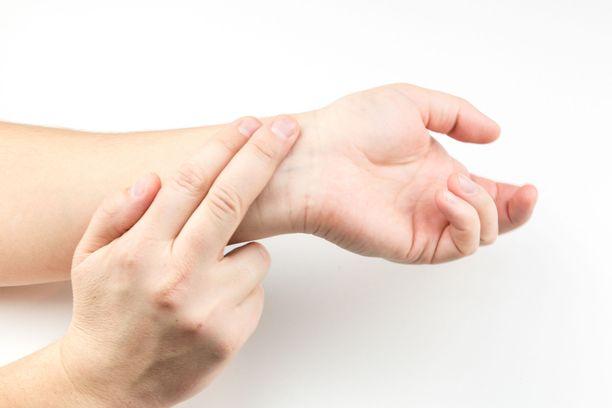 Pulssin mittaamista suositellaan päivittäiseksi tavaksi. Jos syke on epätasainen, on syytä olla yhteydessä lääkäriin.