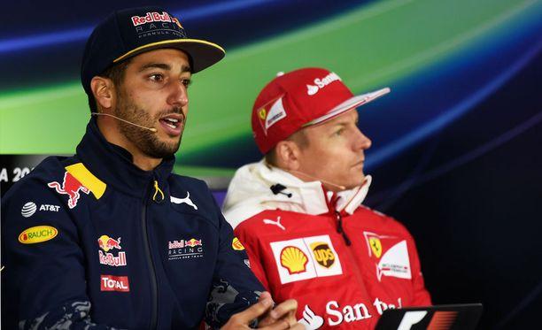 Daniel Ricciardo vakuuttui Kimi Räikkösen kierroksesta, josta kävi ilmi Ferrarin verraton pito mutkissa.