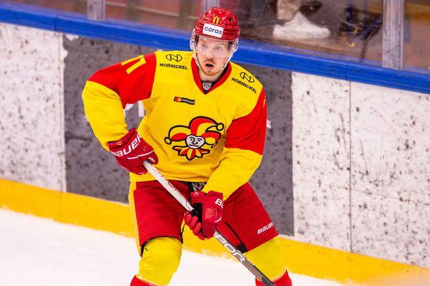 Kalle Kossila pelaa 28-vuotiaana ensimmäistä kertaa juniorivuosiensa jälkeen Suomessa.