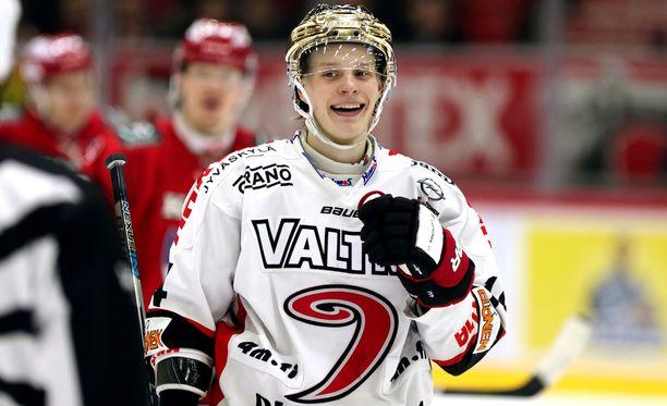 Antti Suomela voitti SM-liigan pistepörssin JYPissä 59 ottelun tehoin 21+39=60.