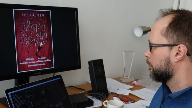 Ohjaaja Matti Reinikka odottaa edelleen, aikooko Yle hyväksyä hänen dokumenttinsa.