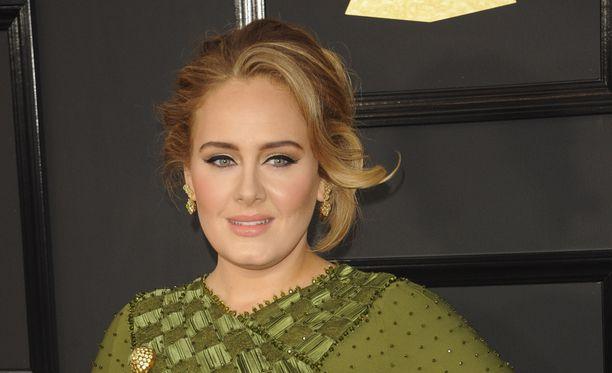 Adele on selättänyt ääniongelmansa.