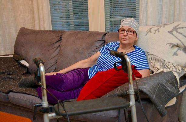 Kotona sairastaminen on Hannele Pelamolle kallista, mutta mikä tärkeintä kotona hän kokee olevansa turvassa.