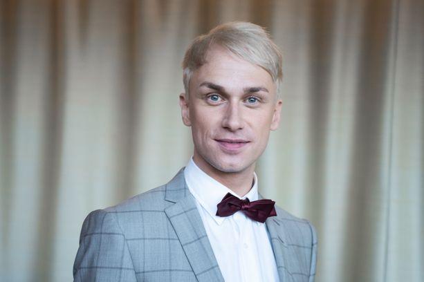 Tällä hetkellä Putouksen juontajana toimiva Christoffer Strandberg on muuttanut unelmiensa kotiin.