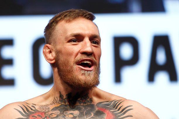 Conor McGregorin paluu UFC-häkkiin päättyi tappioon.