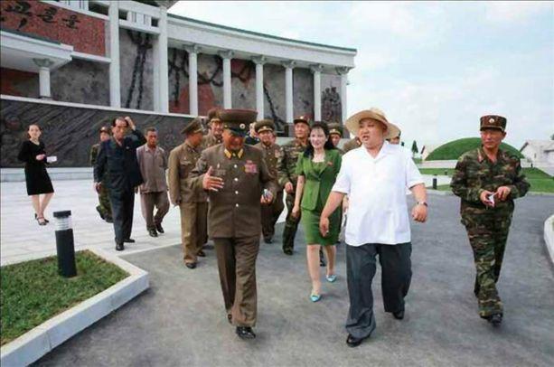 Kim Jong-unista julkaistiin viime viikolla valokuva, jossa hän vierailee kesäisissä tunnelmissa upouudessa museossa Sinchonissa.