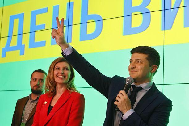 Volodimir Zelinskiilla on edessä vaikea poliittinen taival parlamenttia vastaan.