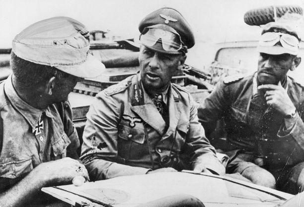 """Rommel, """"Erämaan kettu"""", kävi kiivaita taisteluita Pohjois-Afrikassa liittoutuneita vastaan."""