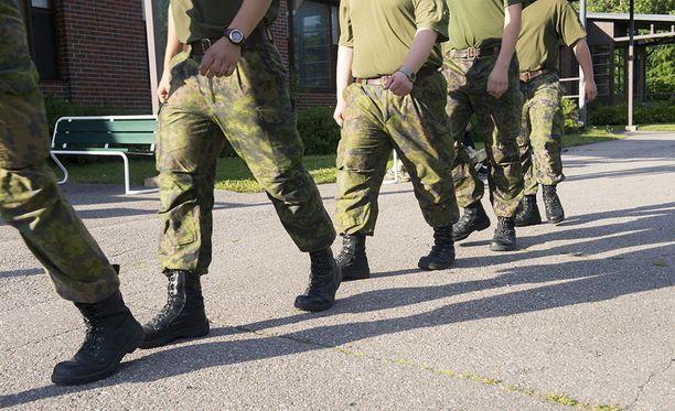 Väkivallanteko tapahtui kasarmin tuvassa Panssariprikaatissa viime marraskuussa.