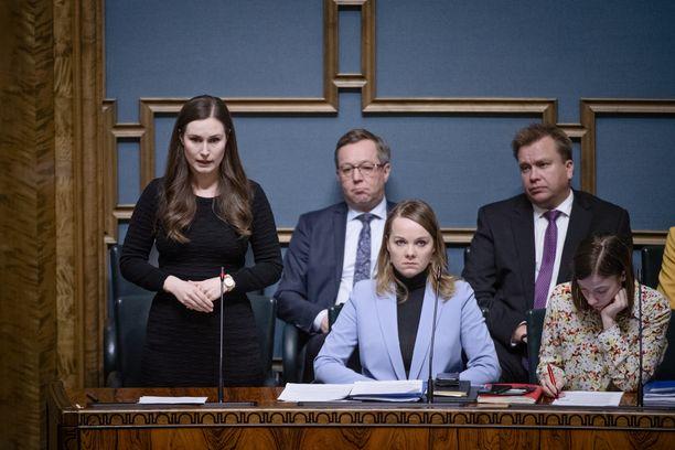 Pääministeri Sanna Marinin (sd) esiintymiset ovat keränneet kiitosta.