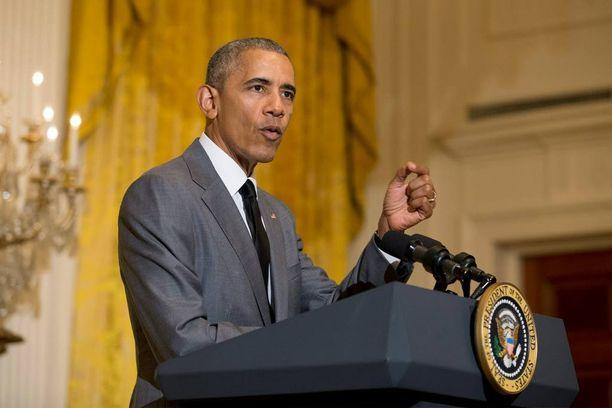 Yhdysvaltojen presidentti Barack Obama toivoo, että kaikki osapuolet tukisivat Turkin demokraattisesti valittua hallitusta. Kuvassa Obama puhuu valkoisessa talossa viime torstaina.