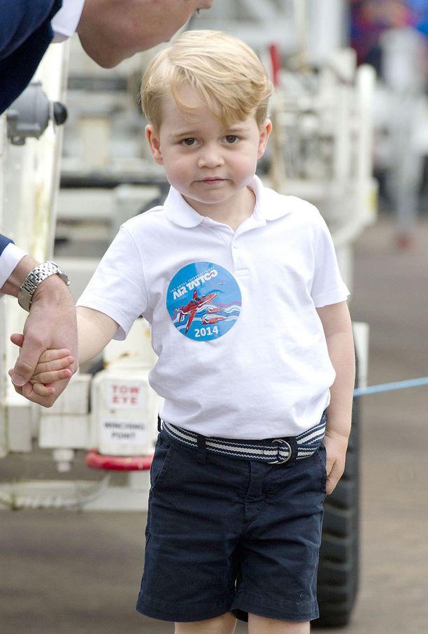 Tuore kuva paljastaa, että prinssi George on jo iso poika.
