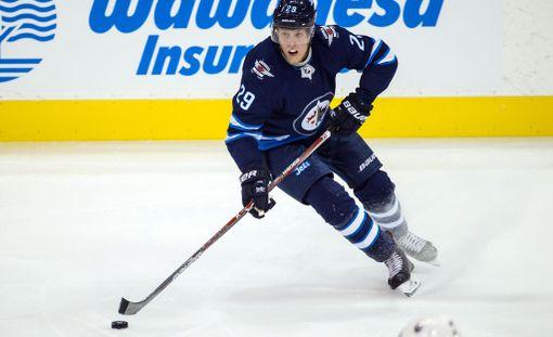 Winnipeg Jetsin Patrik Laine oli taas huimassa vireessä: 2+3 tehopistettä.