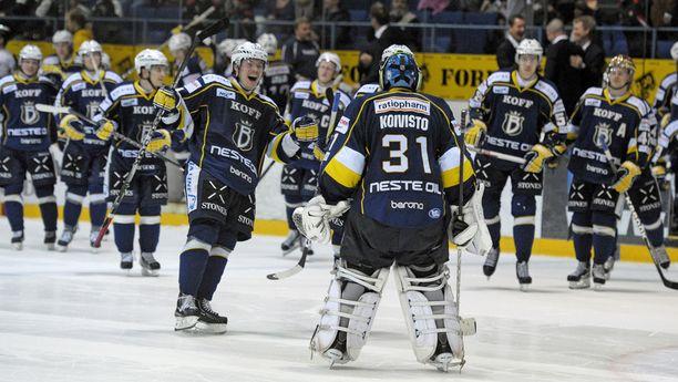Espoon Blues juhli sitä, että se oli parempi kuin Oulun Kärpät.