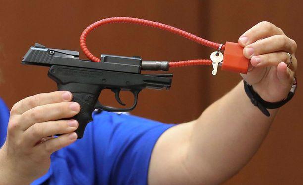 Käsiase, jolla George Zimmerman ampui aseettoman Traycon Martinin vuonna 2012.
