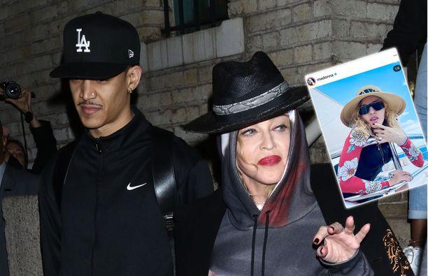 Madonna lomaili toy-boynsa kanssa Malediiveilla.