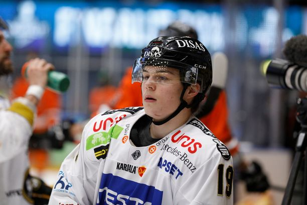 Rasmus Kupari on lähtökohtaisesti Suomen ykkössentteri.