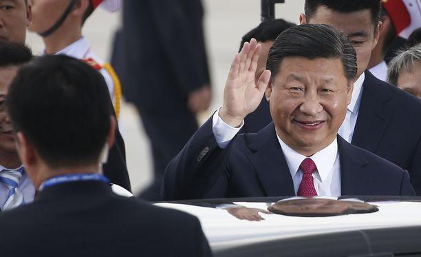 Kiinan presidentti Xi Jinping lupasi avata maansa taloutta entistä enemmän.