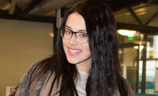 Pietarsaarelainen Sara Maria tuli tutuksi Youtube-klipeistään, jossa hän imitoi eri maiden kieliä varsin tarkkanäköisesti.