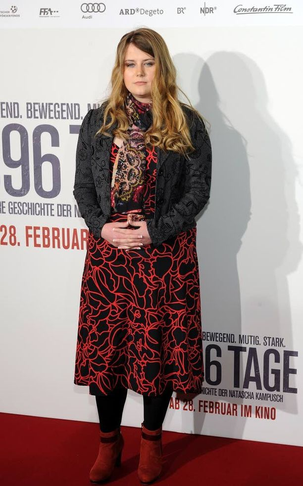 Natascha Kampuschin elämä on ollut vaikeaa myös vankeuden jälkeen. Kuva on otettu vuonna 2013 hänen elämästään kertovan elokuvan ensi-illassa.