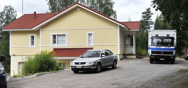 UUSI KOTI Ex-pääministeri Matti Vanhasen ostama talo sijaitsee Nurmijärvellä.