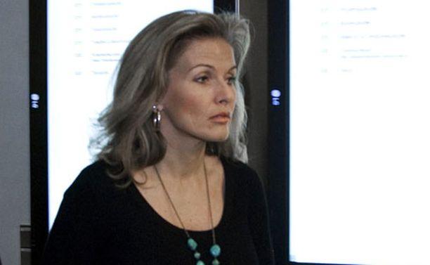 Tanja Karpela otti aiemman sukunimensä takaisin.