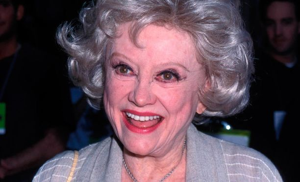 Phyllis Diller tuli tunnetuksi lukuisista elokuva- ja tv-rooleistaan, näyttävistä asuistaan, tuuheista kampauksistaan ja erikoisesta naurustaan.