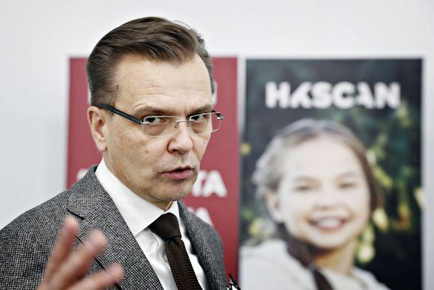 HKScan toimitusjohtaja Jari Latvanen Rauman siipikarjayksikön harjakaisissa tammikuussa 2017.