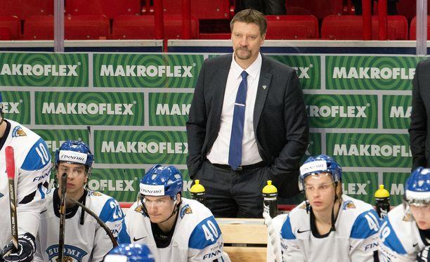 Päävalmentaja Jukka Jalosen edellinen pesti Leijonien päävalmentajana päättyi keväällä 2013 USA:lle hävittyyn pronssiotteluun.