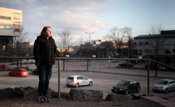 Krista Tala toivoo, että päättäjät pitäisivät huolta suomalaisista vähäosaisista. - Vanhukset ovat tehneet koko elämänsä töitä Suomen eteen ja palkaksi he päätyvät leipäjonoon.
