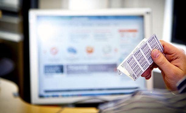 Nordea ei ole vielä päättänyt, milloin paperisista tunnuslukukorteista lopullisesti luovutaan.