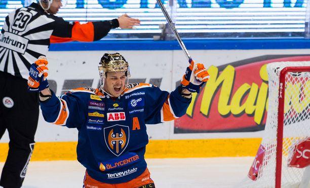 Kristian Kuusela iski Tapparan toisen maalin.