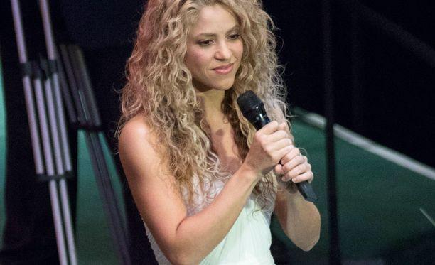 Shakira lauloi YK:n yleiskokouksen juhlallisuuksissa.