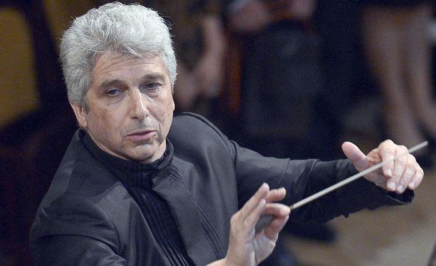 Toronton sinfoniaorkesteri esiintyy kapellimestari Peter Oundjianin johdolla Helsingissä elokuussa.