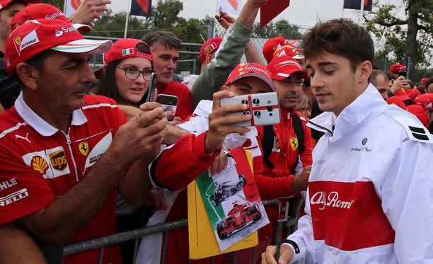 Charles Leclercista ollaan leipomassa uutta Ferrari-kuljettajaa ja Kimi Räikkösen korvaajaa.