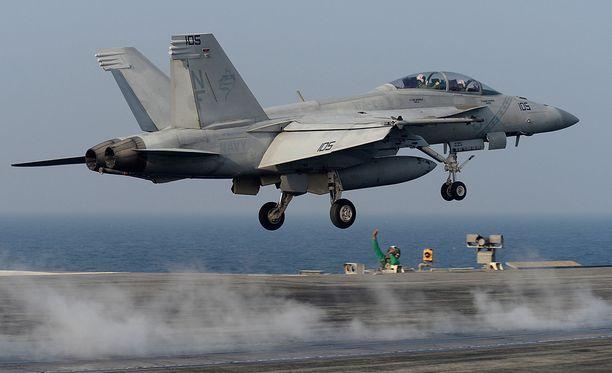BBC:n haastatteleman tutkijan Justin Bronkin mukaan ilmataisteluiden aika on ohi. Kuvassa amerikkalaisten F/A-18 Super Hornet -hävittäjä.