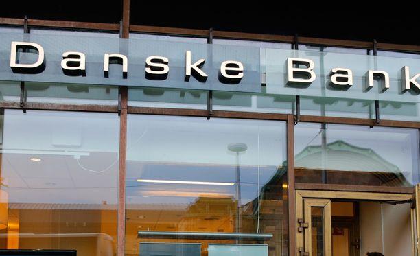 Danske Bank ennustaa työttömyysasteen nousevan ensi vuonna yhdeksään prosenttiin.